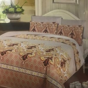 Other - QUEEN Size 6 pieces Brand New Comforter Sets